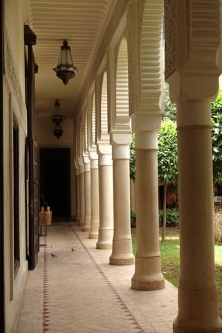 Villa des Orangers columns