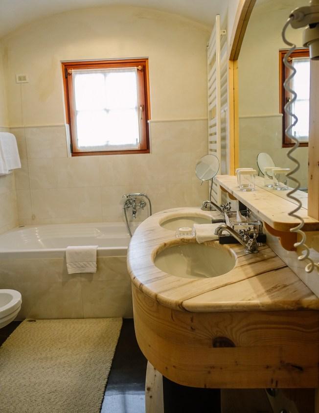 Rosa Alpina bathroom