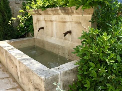 Bastide de Moustiers master suite fountain