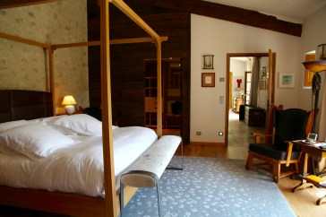Bastide de Moustiers master suite bedroom