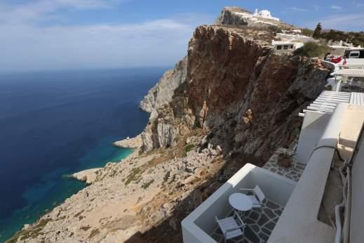 Anemomilos Apartments cliff view