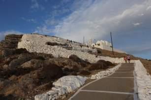 Chora Folegandros church path