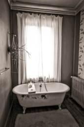 Camellas-Lloret bathtub