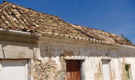 Tavira old house roof