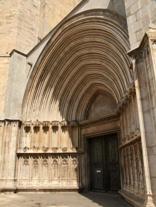 Girona church arches