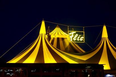 Flic Flac tent at night