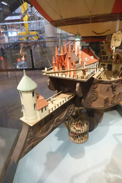 Deutsches Technikmuseum ballon model display