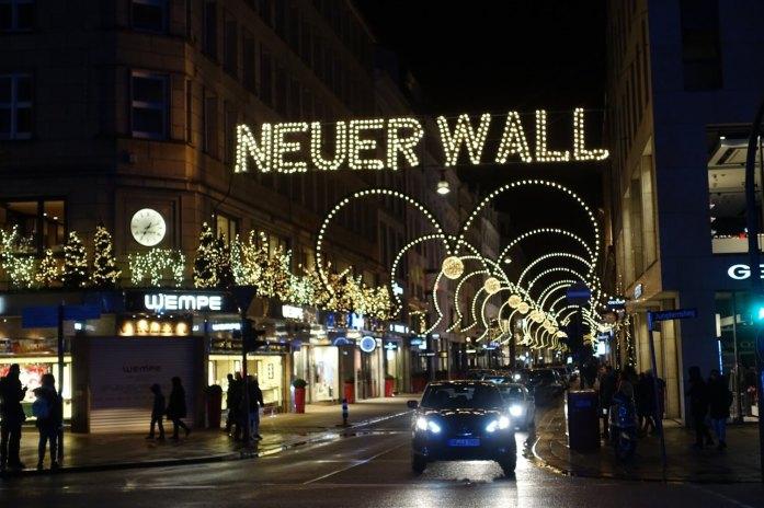 Neuer Wall at Christmas