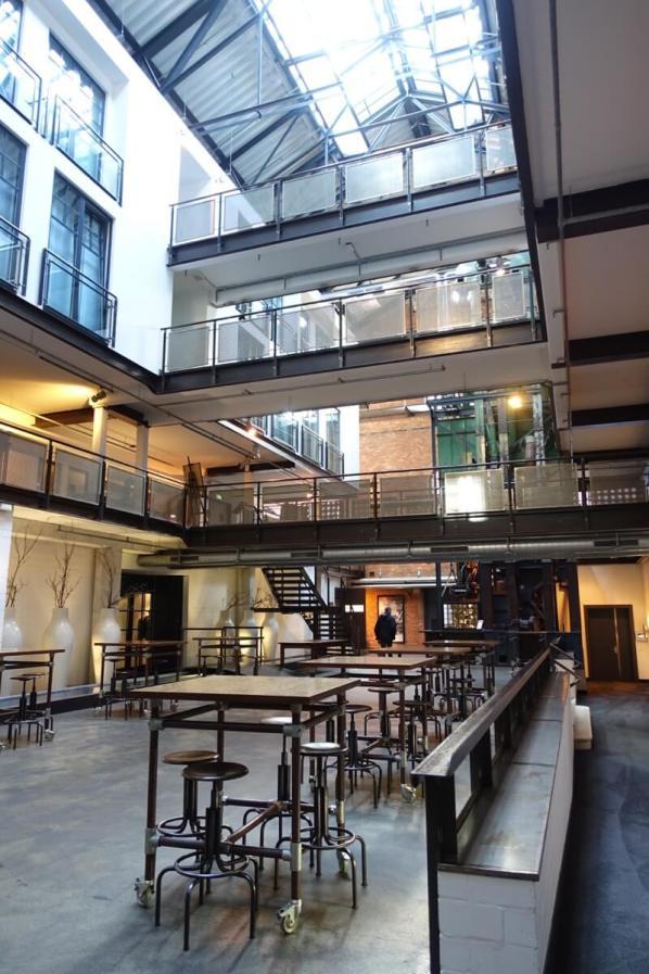 Gastwerk Hotel Hamburg atrium