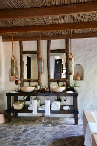 Six Senses Zighy Bay bathroom mirrors