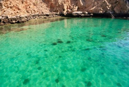 Gratuitous Oman clear green water shot. Makes me want a Mountain Dew.