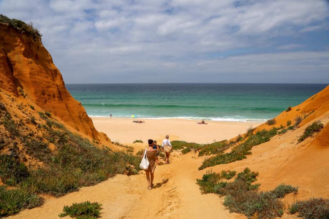 Galé Beach path