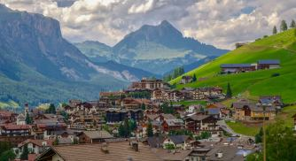 After a nap, you can catch a bus out of Armentarola or continue on down the path to the postcard town of San Cassiano. More about this town in a future post.