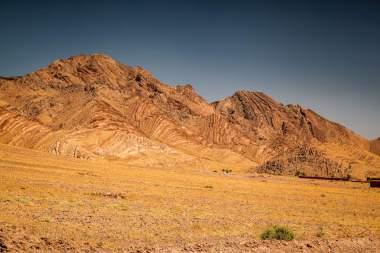 Road to the Sahara cliffs