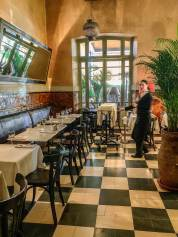 Cafe de la Poste dining room