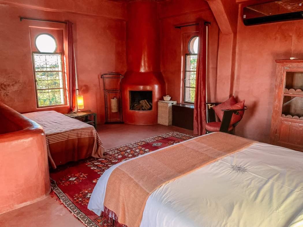 Le Jardin des Dours Mogador Suite bedroom sitting area