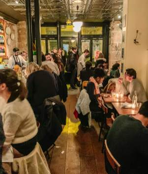 Buvette_Paris_coupledining