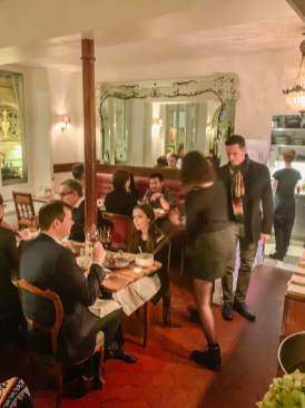 Verjus Paris busy dining room