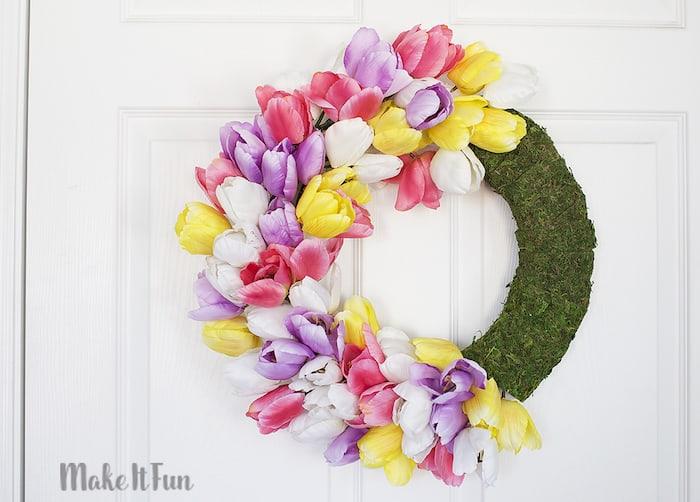Moss wreath ideas: Easy tulip wreath