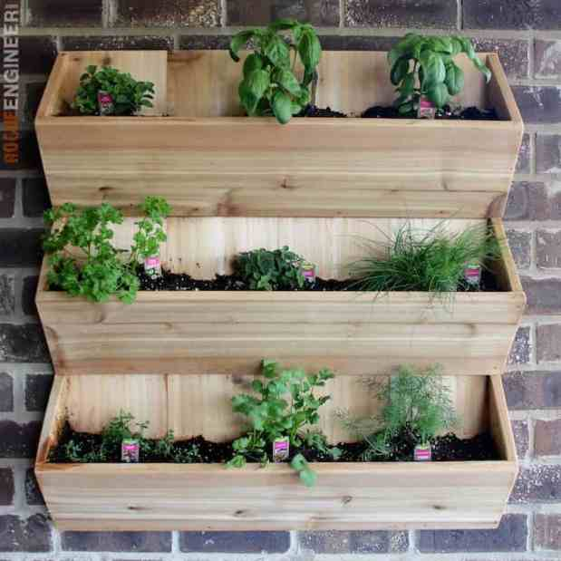 DIY Wall Planter Free Plans