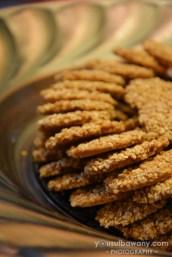 Sesame seed crackers