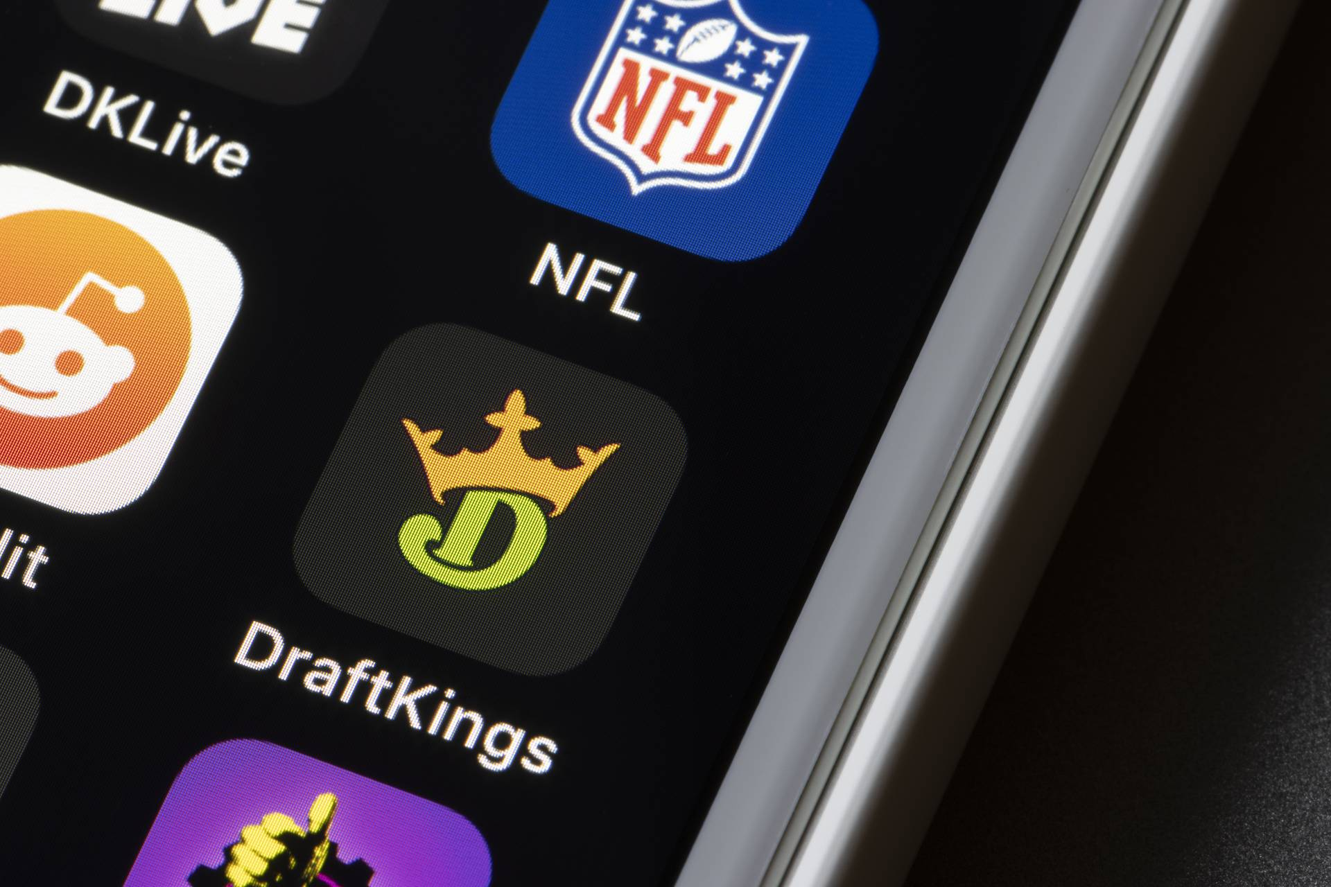 DraftKing stock forecast (NASDAQ:DKNG) – here's what you need to know