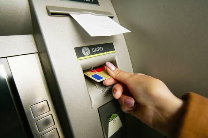 クレジットカードの情報が盗まれた!