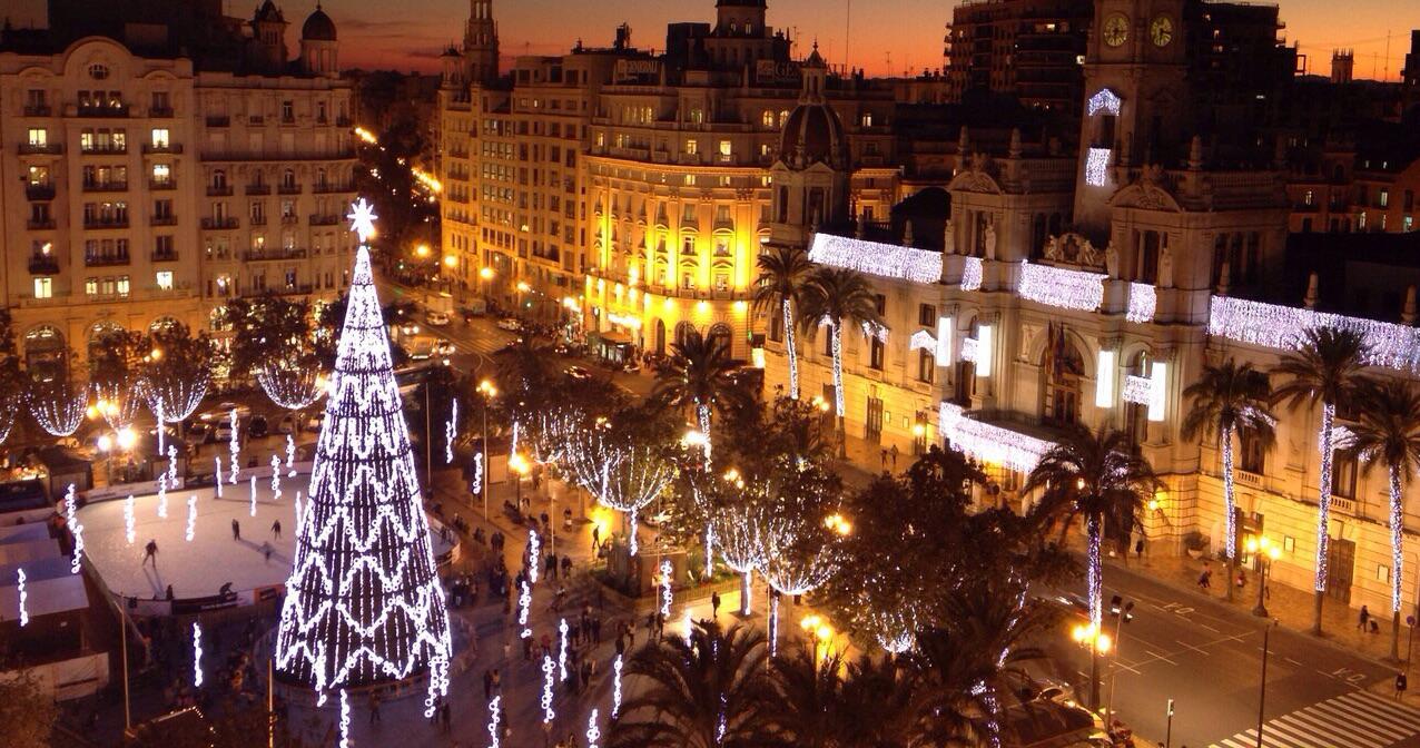 Valencia Viste Su Navidad Con Numerosos Rboles Y Un Gran Bel N  ~ Mercadillos Navideños En Valencia