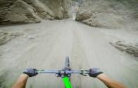 Dağ Bisikletinde İnanılmaz İniş!
