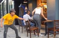 Hiç Eskimeyen Sandalye Şakası! Sakın Denemeyin