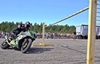 Profesyonel Motorculardan Drift Limbo Smash Şovu