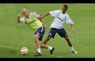Yetenekli Futbolcular Antrenmanda Döktürüyor!