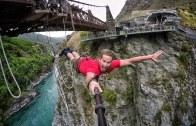 Aşırı Derecede Adrenalin İçeren Bungy Jumping Şovu!