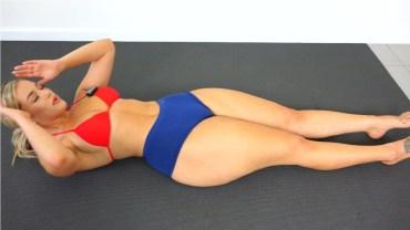 Dolgun Model Marissa'dan Bikinili Seksi Karın Egzersizi