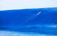 Devasa Dalgalar Eşliğinde Yapılan Sörf Şov Karşınızda