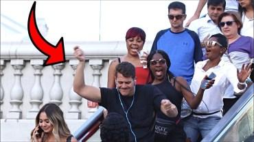 İzlerken Gülmekten Öldüren Yürüyen Merdiven Şakaları