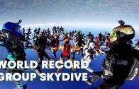 Muhteşem Bir Şova Sahiplik Eden Paraşütle Atlama Rekoru