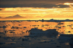 Strange Phenomenon: Sun rises two days early in Greenland?