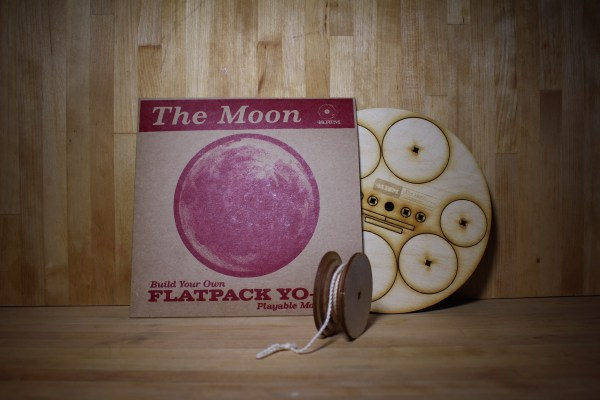 44RPM Flatpack YoYo - The Moon