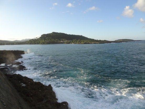 Entourée par la mer Baracoa est une très belle ville à Cuba photo blog voyage tour du monde https://yoytourdumonde.fr