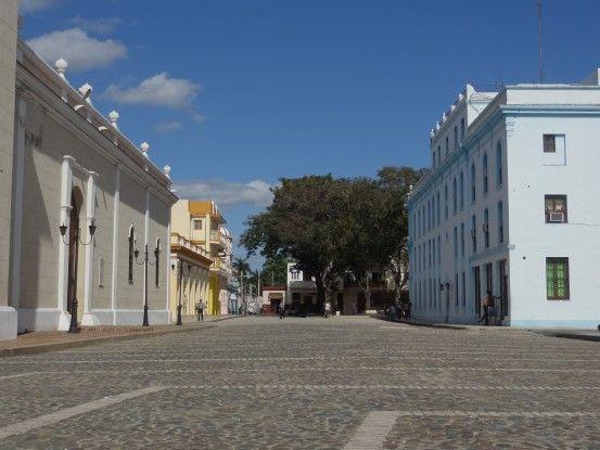 Rue à Bayamo photo blog voyage tour du monde cuba https://yoytourdumonde.fr