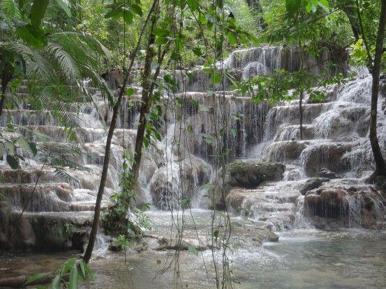 Magnifique cascade sur le site maya de Palenque au Mexique photo blog voyage tour du monde https://yoytourdumonde.fr