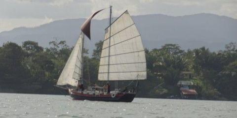 guatemala-rio-dulce-travel-voyage
