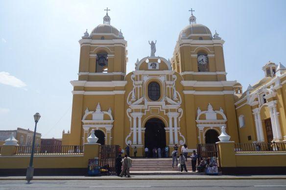 Perou- Trujillo : Cathedrale de la ville.