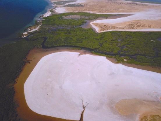 Prise aérienne de l'ile de Mar dans le Sine Saloum au Sénégal photo blog voyage tour du monde https://yoytourdumonde.fr