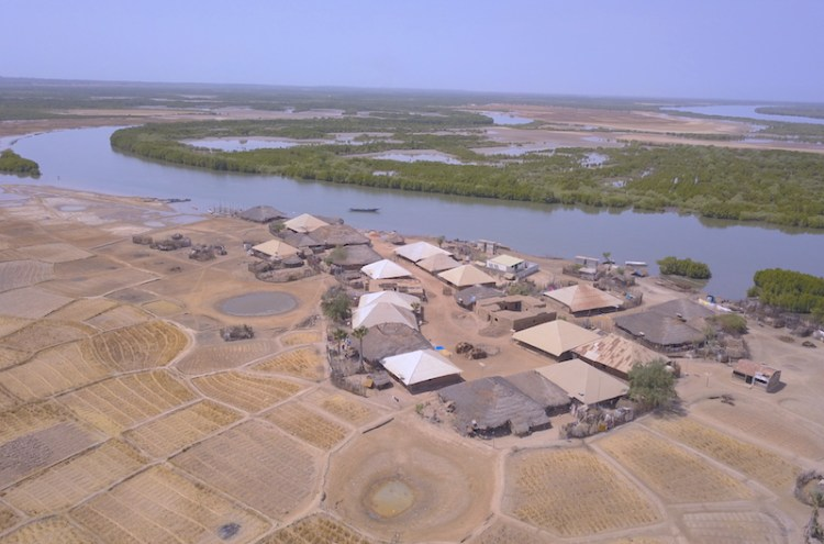Eloubaline drone photo blog tour du monde http://yoytourdumonde.fr