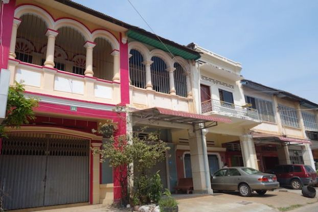 Batiments coloniaux a Kampot au Cambodge photo blog https://yoytourdumonde.fr