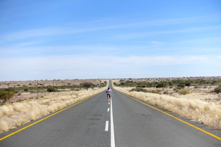 Exemple d'une belle route en Namibie catégorie B photo blog voyage tour du monde https://yoytourdumonde.fr
