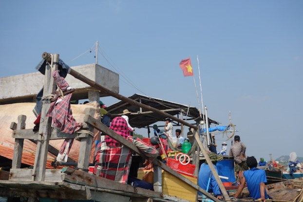 Arrivé au Vietnam aprrès etre partie dans la nuit de Kep au Cambodge. Le probleme est que je n'ai ni passeport ni visa. photo blog http://yoytourdumonde