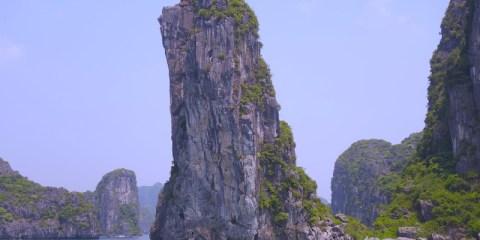 Baie d'Halong vietnam voyage tour du monde http://yoytourdumonde.fr